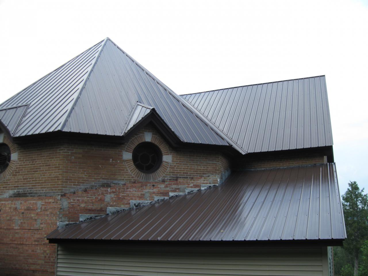 Round-end roof on church